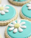 {Video} How to Make Daisy Cookies (with a little help from a KopyKake projector)