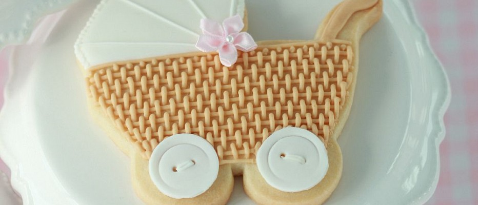 {Video} Basket Weave Baby Carriage Cookie Tutorial