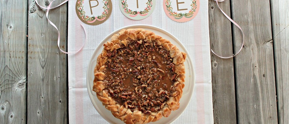 {Video} Pumpkin Pie with Dulche de Leche Pecan Streusel