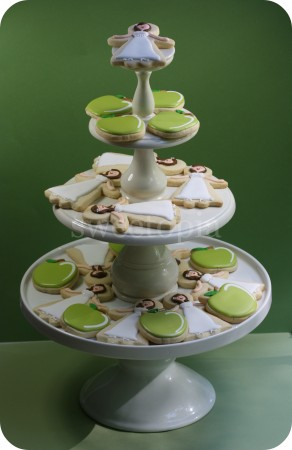 bridal-shower-cookie-tier
