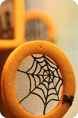 spider web halloween cookie