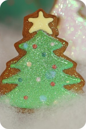 decorated christmas tree cookie