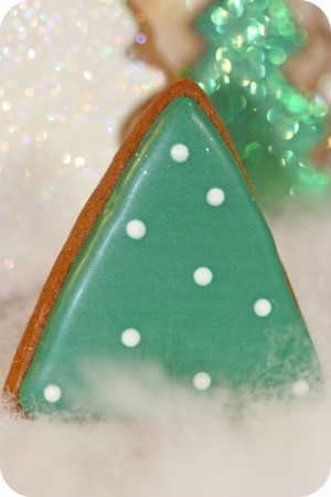 green and white polka dot decorated cookie tree_edited-1