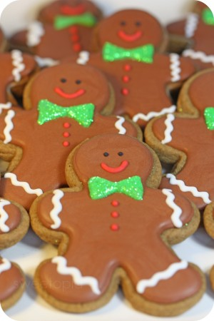tray of gingerbread men cookies