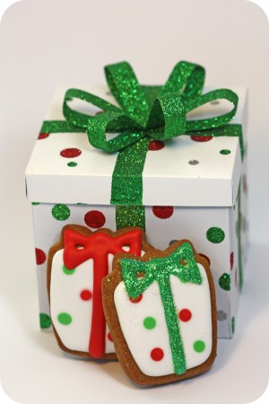 white red green polka dots gift box cookies
