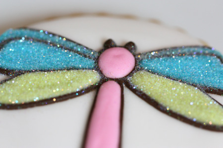 dragonfly-decorated-cookie-with-disco-dust12