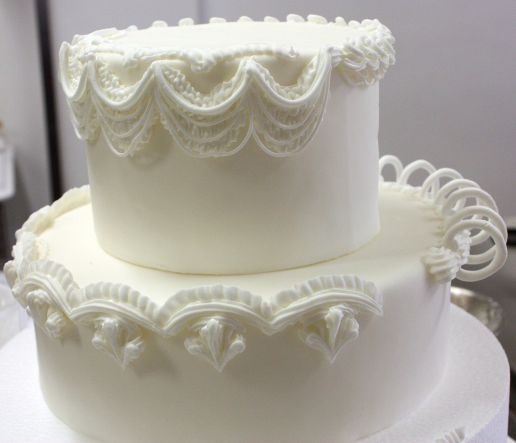 Royal Icing Cake Decorating Designs : Wendy Kromer at the Bonnie Gordon School