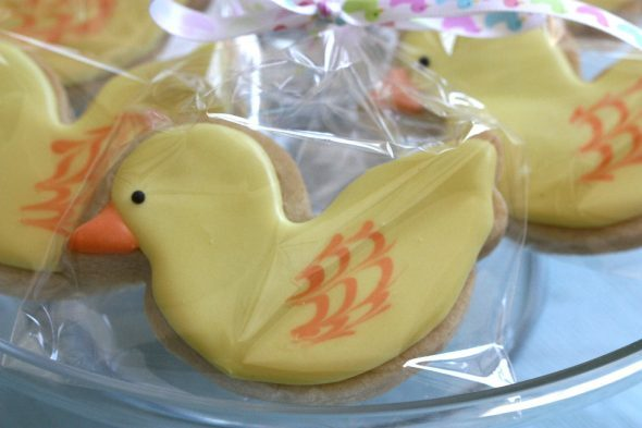 decorated-duck-cookie-590x393