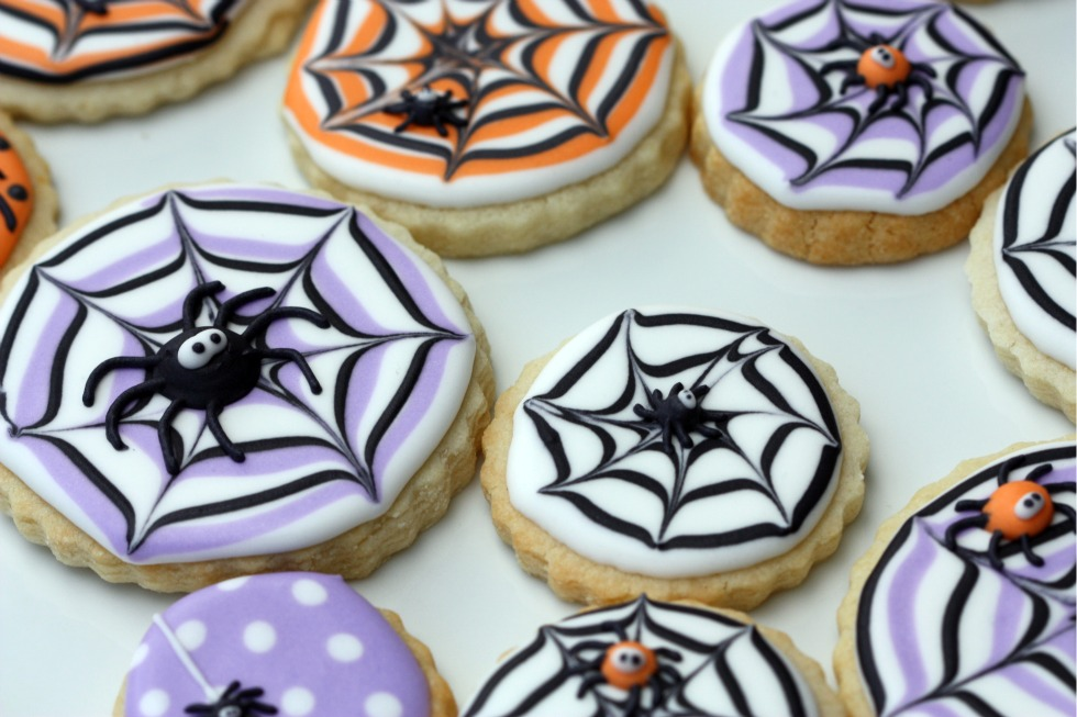 pin it - Halloween Cookies Decorating Ideas