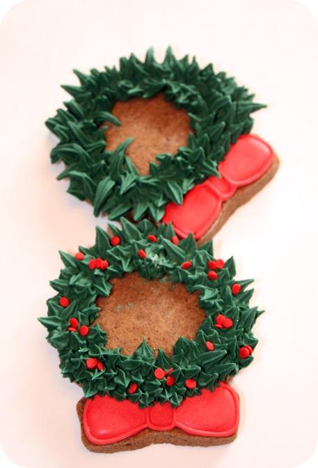 Christmas Wreath Cookies.Christmas Wreath Decorated Cookies More Sweetopia