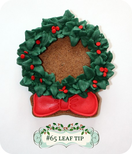 Christmas Wreath Decorated Cookies & More | Sweetopia