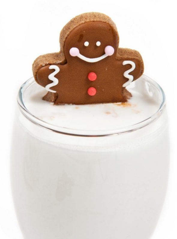 gingerbread-man-in-glass-of-milk3-590x796