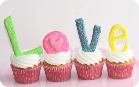 love-letters-on-cupcakes
