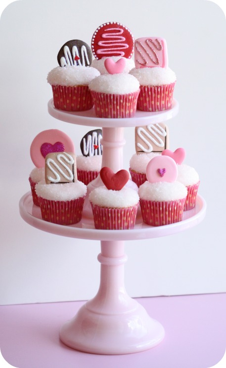 Cupcake Decorating Ideas With Royal Icing : How do you store Royal Icing and how long can you keep it ...