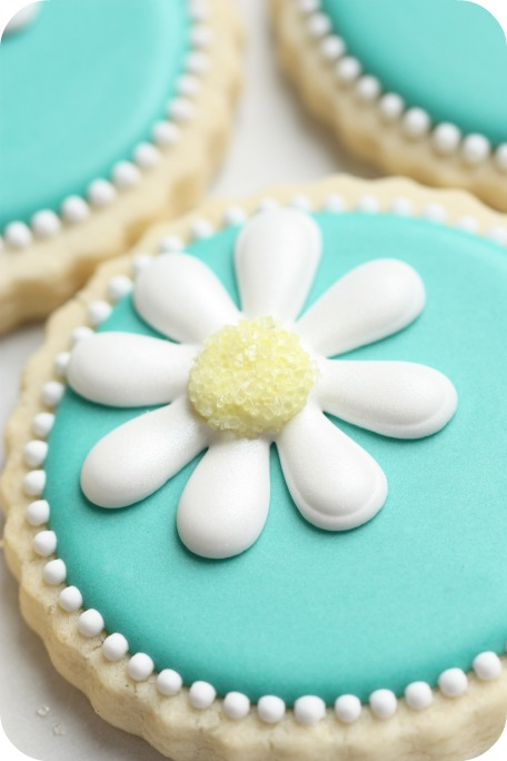 {Video} How to Make Daisy Cookies (with a little help from ...