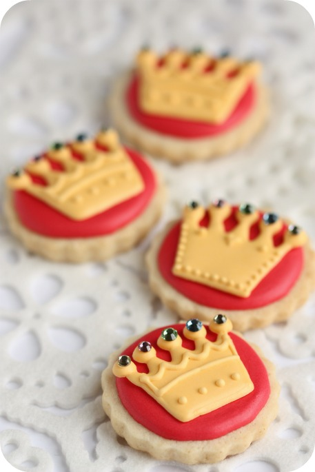 royal-wedding-2011-crown-cookies