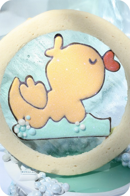 duck-cookie-with-candy-center