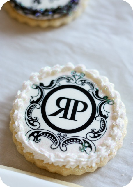 how to make logo cookies fix cookie edges amp a giveaway