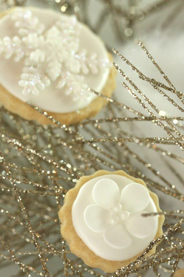 {Video} How to Make Simple Fondant or Gumpaste Cut-Outs & Wintry New Years Decorated Cookies