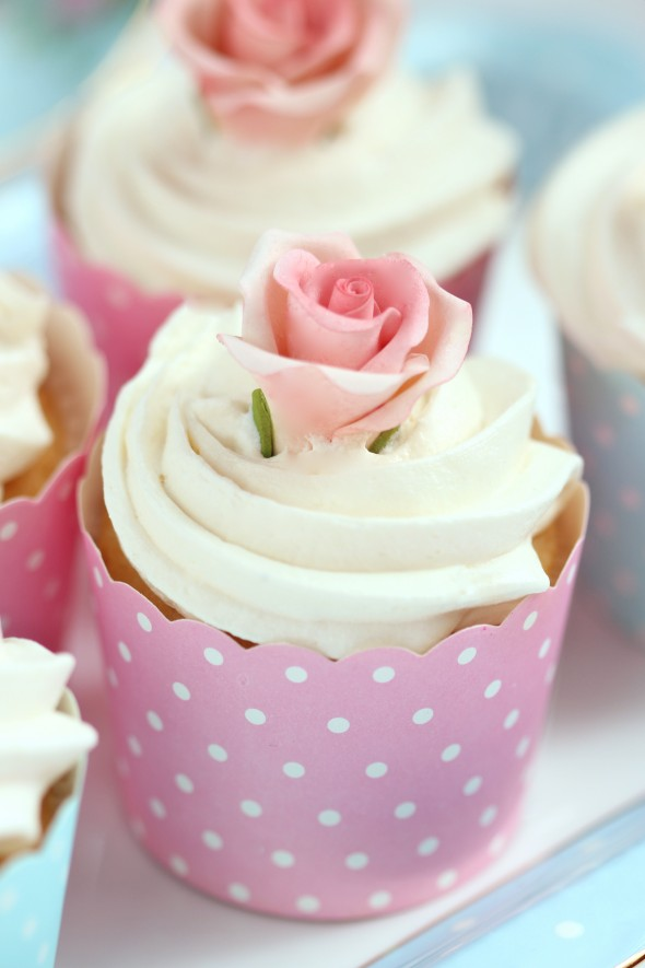 Buttercream Frosting Recipe & An Untold Sugar Flower Secret Revealed