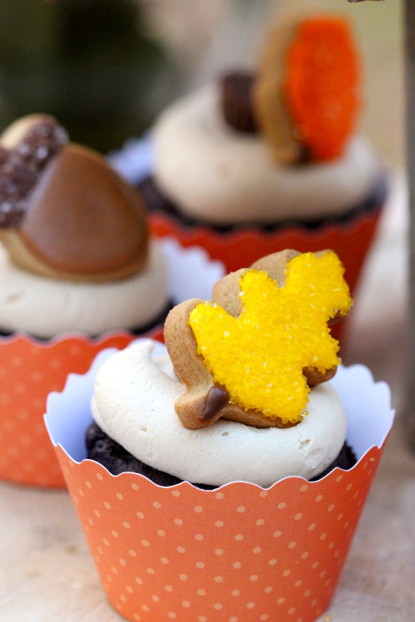 Chocolate Cupcakes with Peanut Butter Icing & Mini Fall Cookies ...