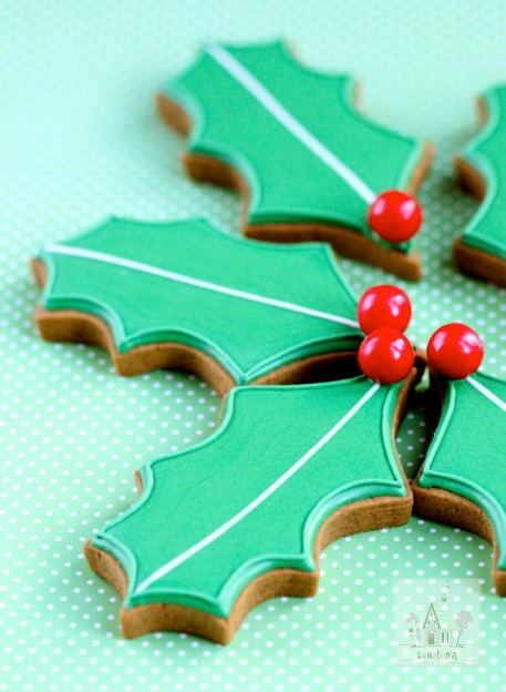 Thumbnail Image Gingerbread Holly Cookies