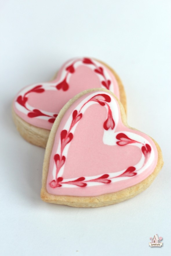 Video} Simple Valentine Heart Cookies | Sweetopia