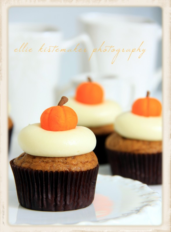 Pumpkin Cupcakes with Maple Cream Cheese Icing on Sweetopia