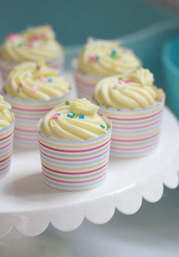 rainbow-cupcakes-590x848