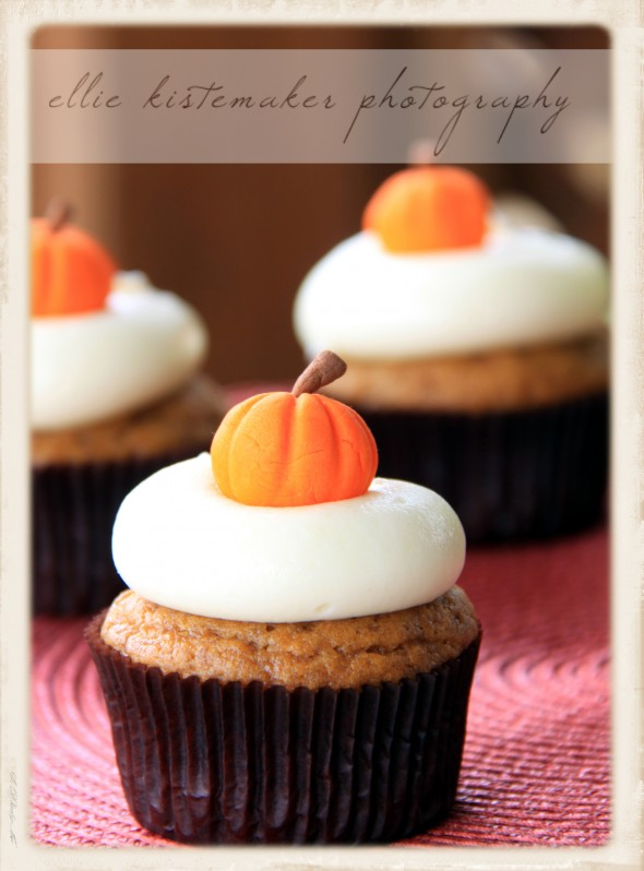 Pumpkin Cupcakes with Cream Cheese Icing | Sweetopia
