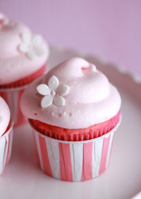 pink-lemonade-cupcakes1-590x834