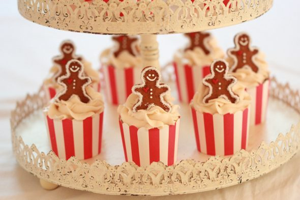 maple-syrup-cupcakes-with-maple-sugar-frosting-590x393