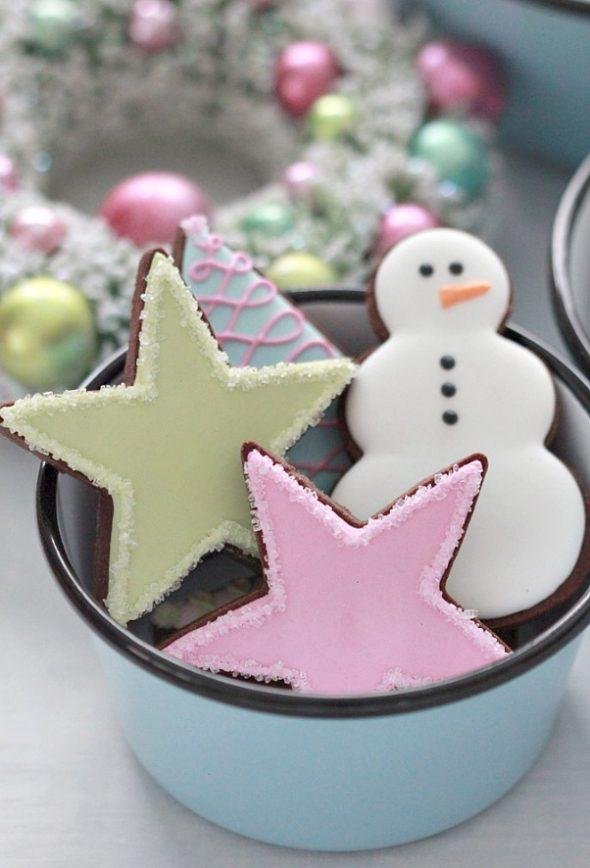Pastel Christmas Cookies & Barn Light Electric Graniteware Bowls