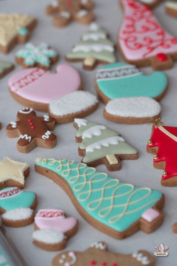 Colorful Decorated Christmas Cookies & Brunelli Bedding | Sweetopia