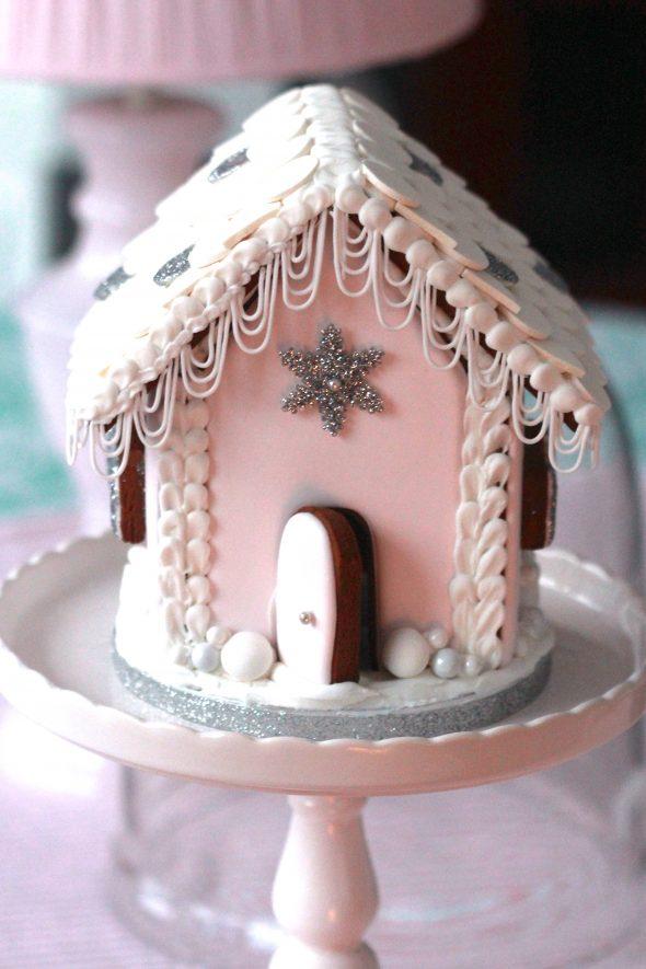 Sweetopia gingerbread house 4 590x885