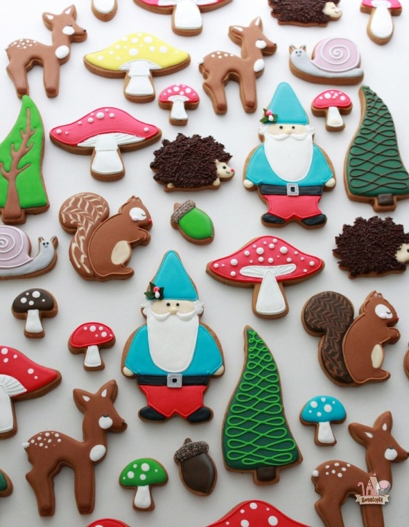 Woodland-Theme-Decorated-Cookies-Sweetopia-590x761.jpg