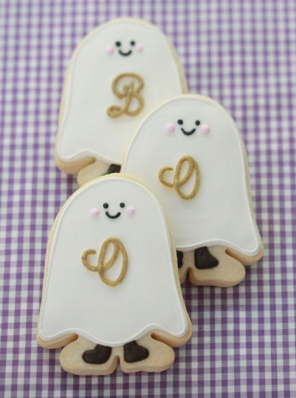 {Video} Easy Ghost Cookies