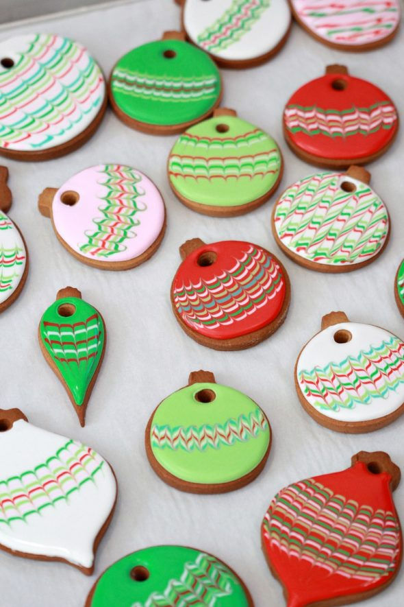 Marbled Christmas Cookie Ornament Tutorial