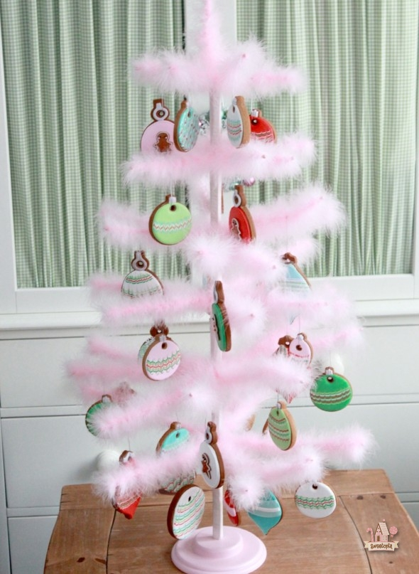 Marbled Christmas Ornament Cookies Sweetopia - Pink Feather Christmas Tree