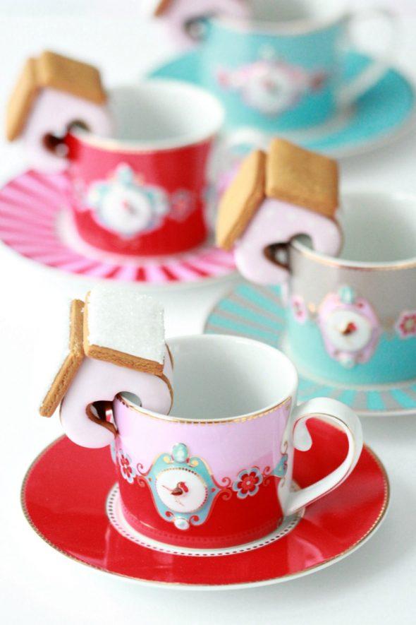 Mini Valentine Gingerbread Houses