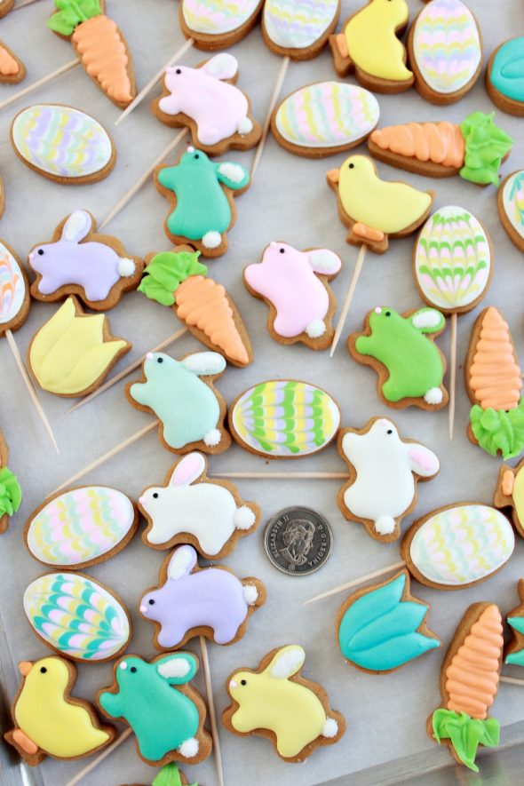Mini Easter Cookie Pops