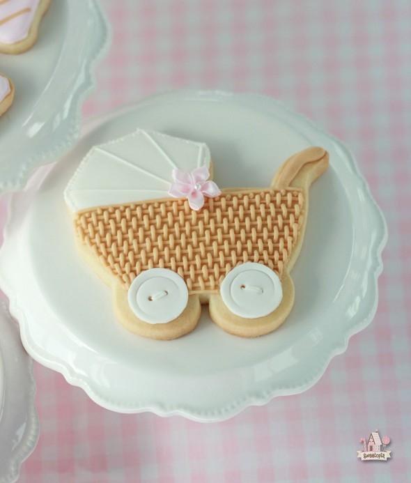 {Video} Basket Weave Baby Carriage Cookie Tutorial