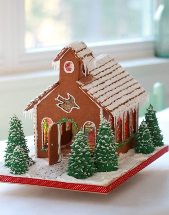 gingerbread-church-_-sweetopia