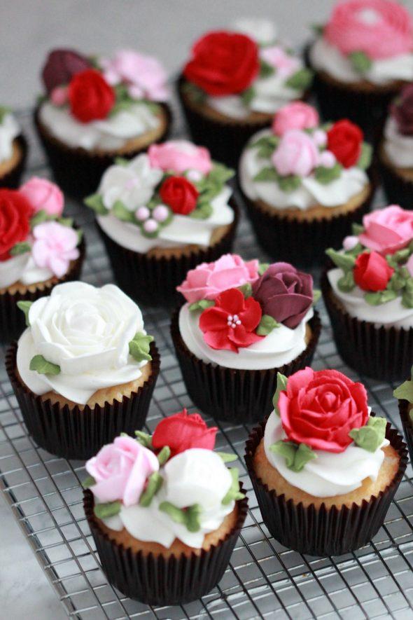Basic White Cake Cupcakes