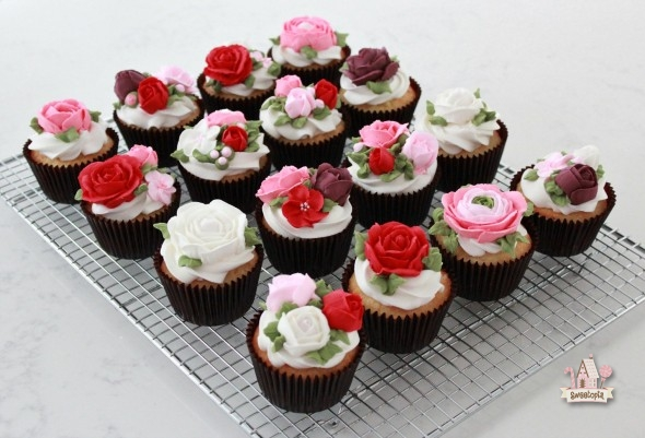 Lactose Free White Cake Cupcakes and Frosting   Sweetopia