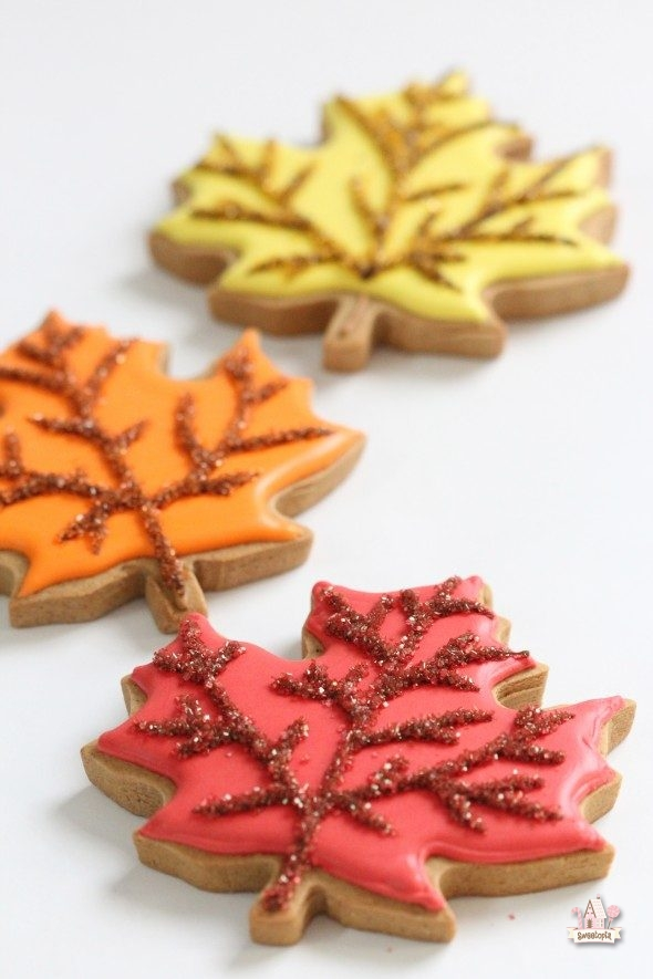 autumn-leaf-cookies-_-sweetopia