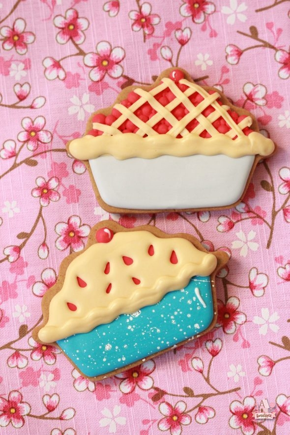 decorated-cherry-pie-cookies-sweetopia-590x885