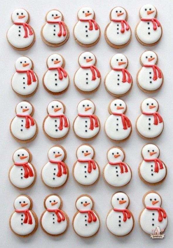 mini-snowmen-cookies-sweetopia