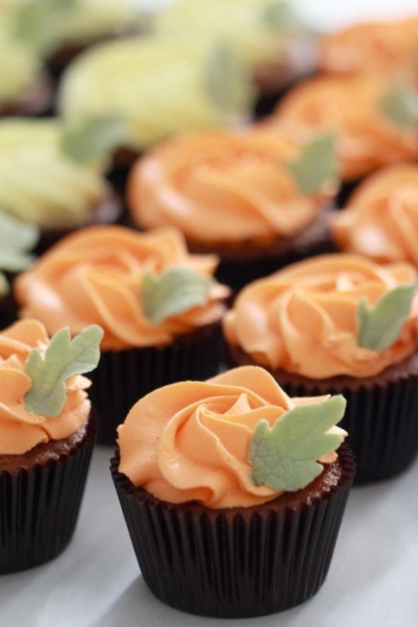pumpkin-cupcakes-with-vanilla-frosting-recipes