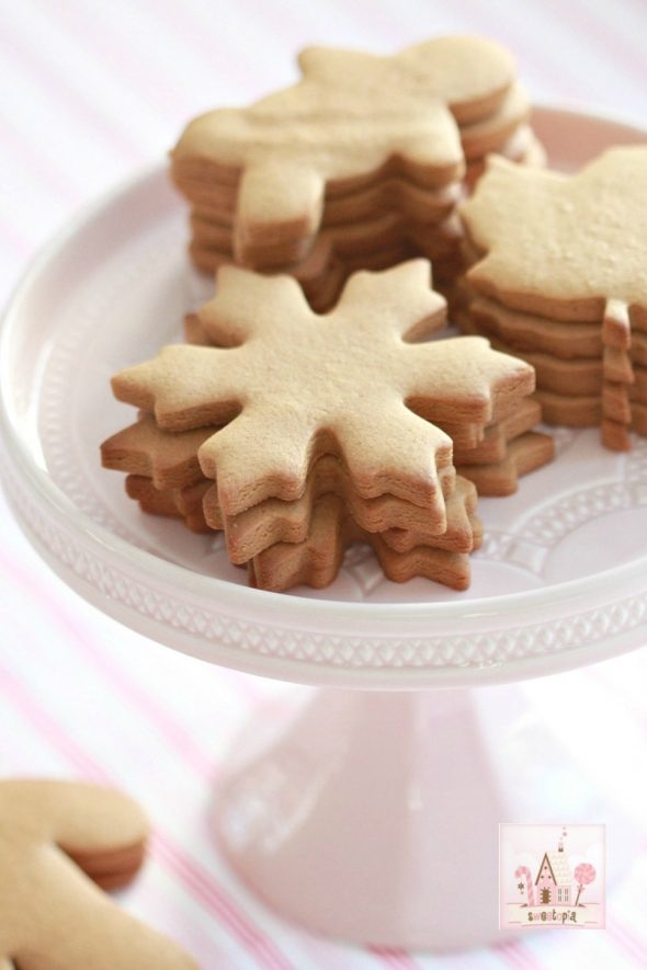 perfect-gingerbread-cut-out-cookie-recipe-on-sweetopia